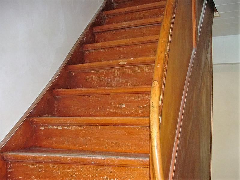 treppe abschleifen beautiful abschleifen und alten belag entfernen with treppe abschleifen. Black Bedroom Furniture Sets. Home Design Ideas